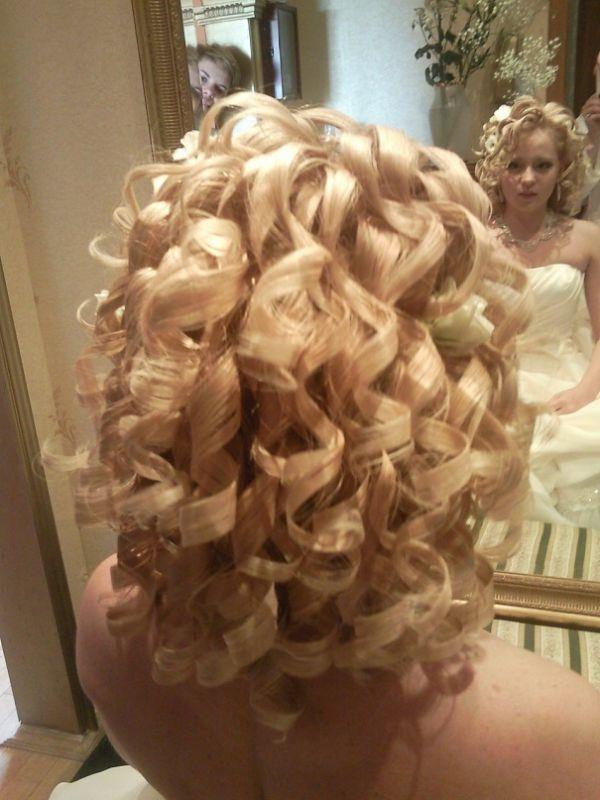 свадебные прически кучерявые волосы 2012